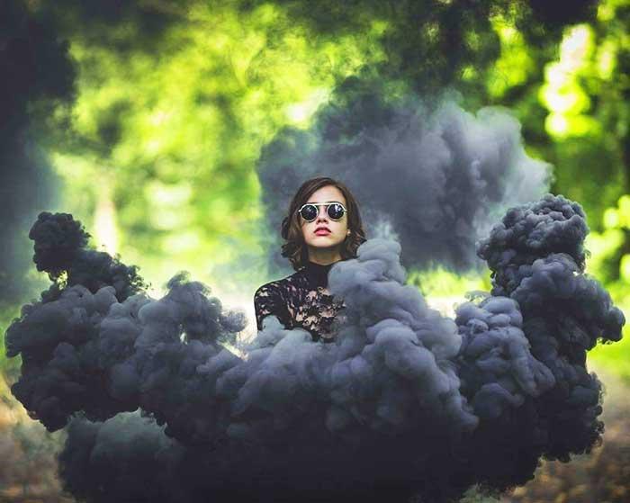 Фотография с цветным дымом