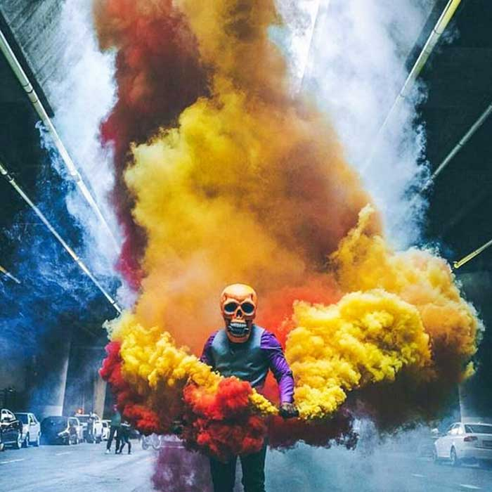 Фотосессия с цветным дымом